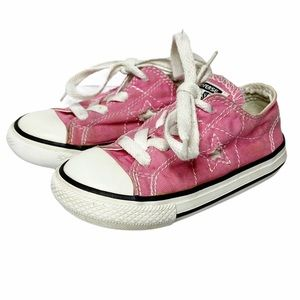Converse | One Star Pink Star on Side Sneakers